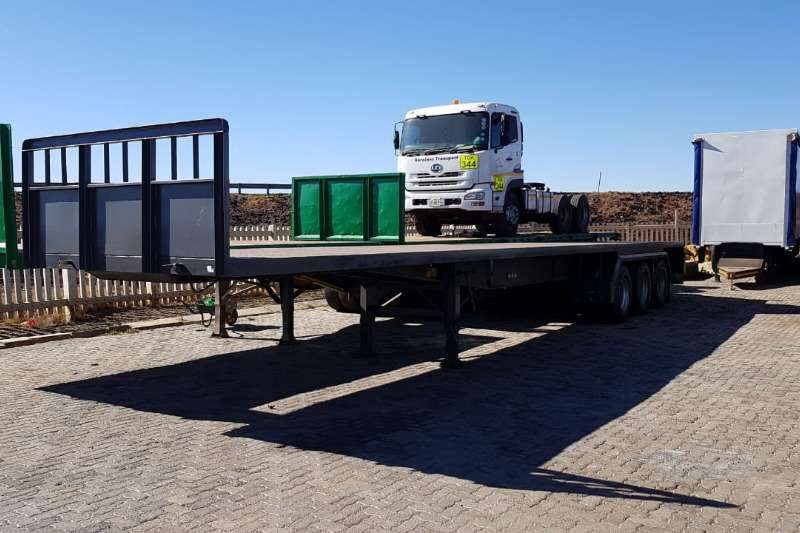 Hendred Flat deck Tri Axle Trailers