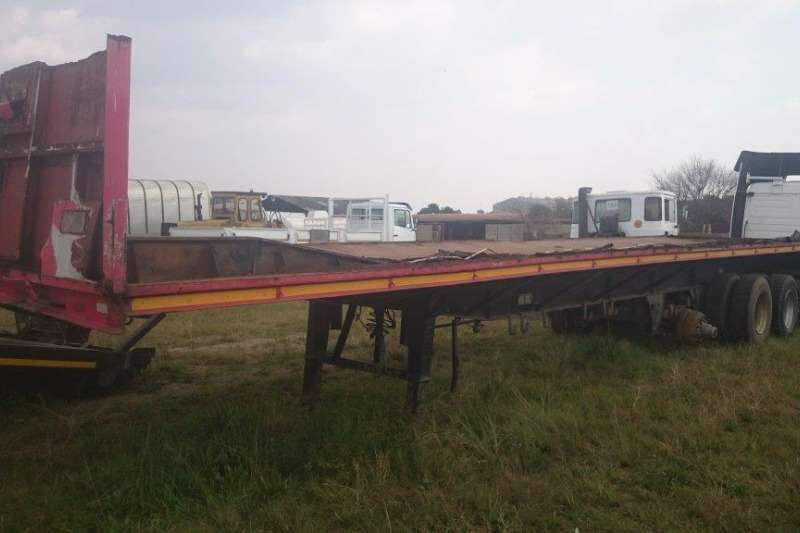Trailers Hendred Tri Axel 0