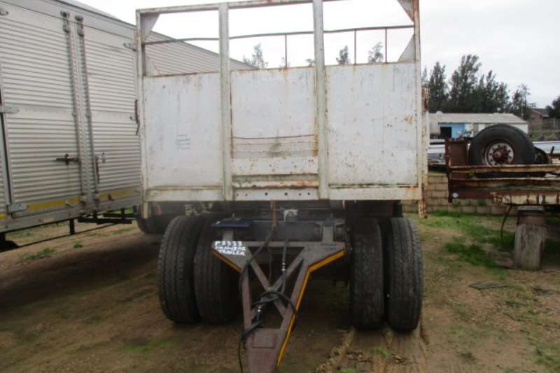 Trailers Henred 1975