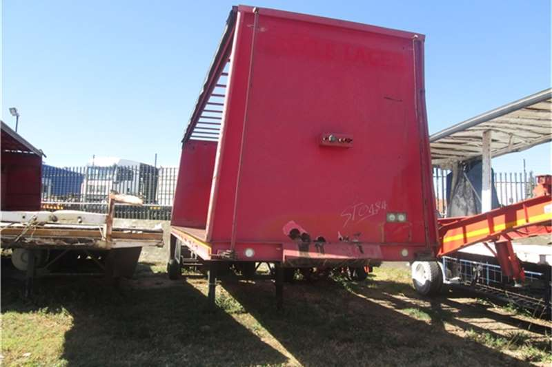 Trailers Henred 9m Beverage Tautliner 1993