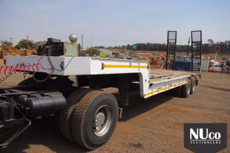 Trailers Henred HENRED DOUBLE AXLE LOWBED WITH RAMPS 0