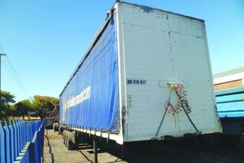 Kearneys 12, 2 metre Tautliner Trailers