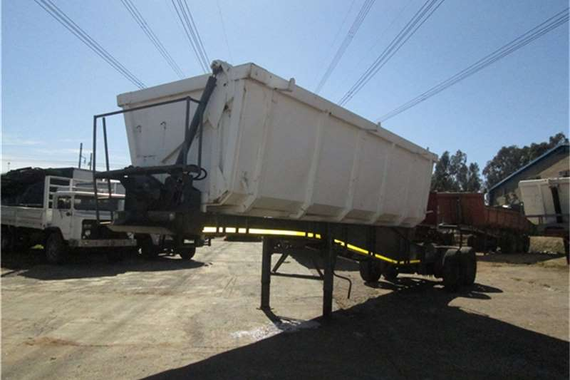 Paramount 18cubic Side Tipper Trailers