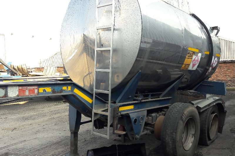 Trailers Tank Clinic Drawbar Used Tank Clinic 10 000LT Pup Tanker Available 1996