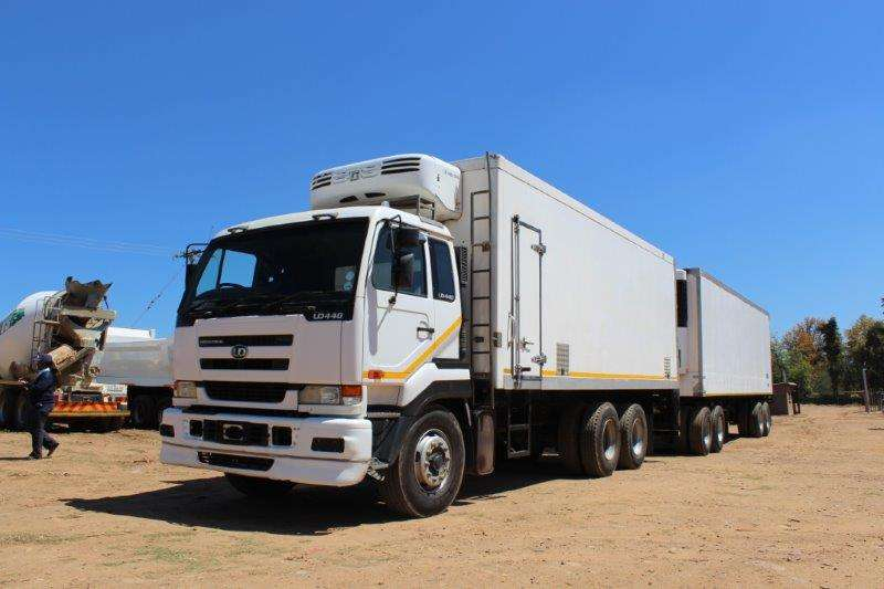 Trailers Tri-Axle TRAILER WITH 4 AXLE REFRIGERATED DRAW BAR REFRIG T 0