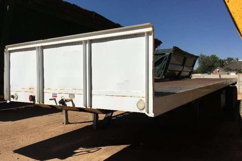 Trailers UBT Flat Deck Tri Axle Flatdeck 13.5m 2015