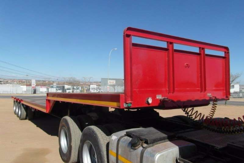 Trailers UBT Stepdeck Tri Axle Step Deck Trailer 2009