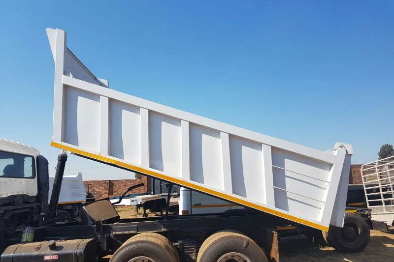 TIPPER BINS & WATER TANKERS MANUFACTURED Truck bodies