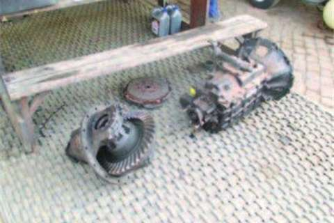 Truck FAW 13-160 Centre Potion and Gearbox- 0