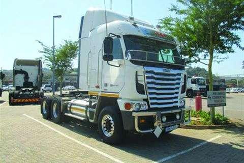 Truck Freightliner Argosy 12.7-1650 6x4 Truck Tractor- 2015