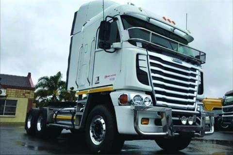 Truck Freightliner Argosy 500 Cummins NG- 2012