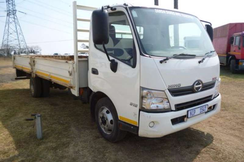 Truck Hino 300 915 With Dropside Body 2015