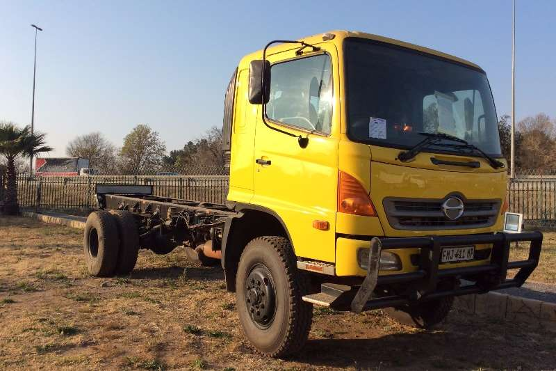 Truck Hino Chassis Cab Hino 500 1322 4x4 Chassis Cab 2011