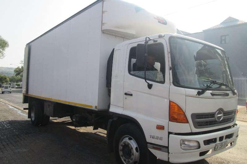 Truck Hino Closed Body 1626 2013