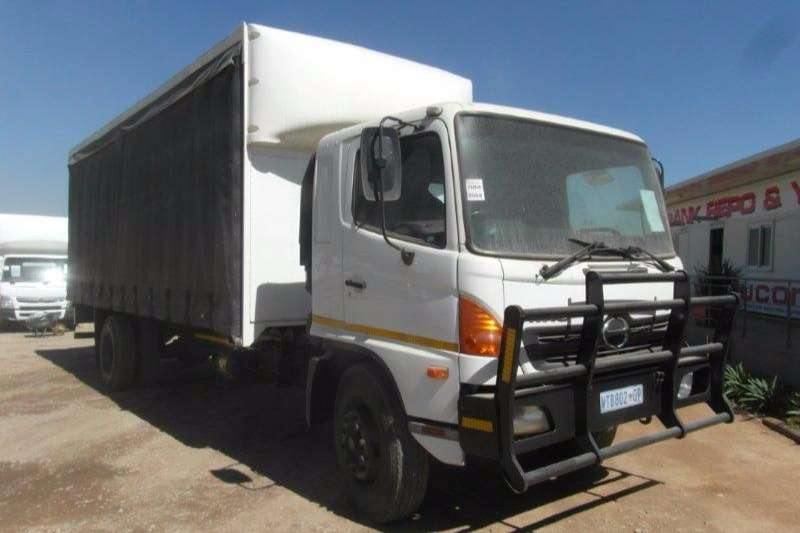 Truck Hino Curtain Side 500 Tautliner 2008