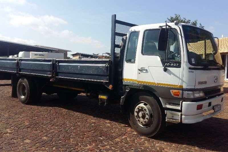 Truck Hino Dropside 15-207 F/C D/S 2001
