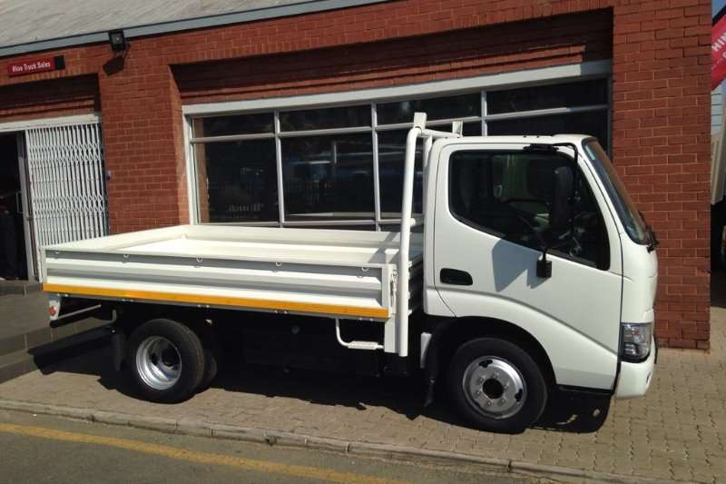 Truck Hino Dropside Dyna DG150 with Dropside 2017