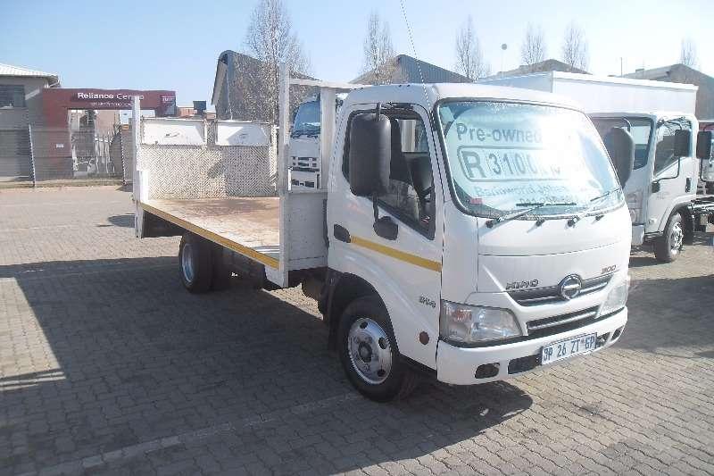 Truck Hino Flat Deck 300 Series 614 2015