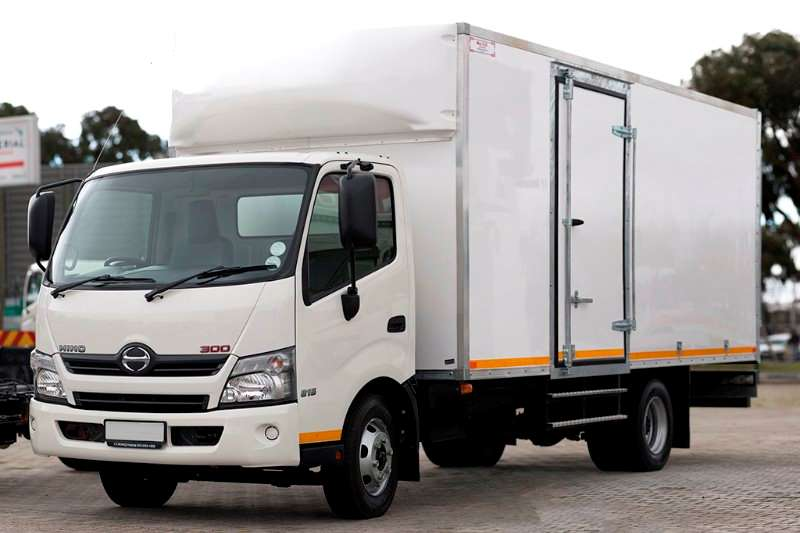 Truck Hino Insulated Body Hino 300 815 Insulated Body 2017