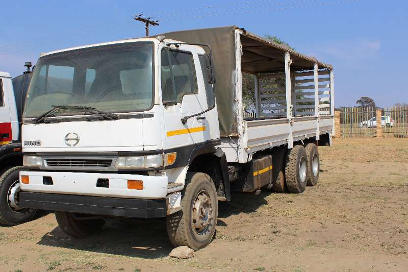 Truck Hino Other Hino dbl Diff rigid tautliner 0