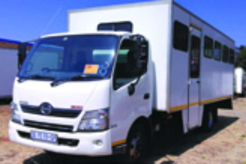 Hino Passanger carrier 300 915 Truck