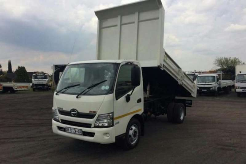 Hino Tipper HINO 300   915 TIPPER Truck