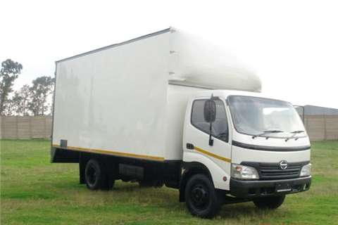 Truck Hino Volume Body 300 Series 815  2010