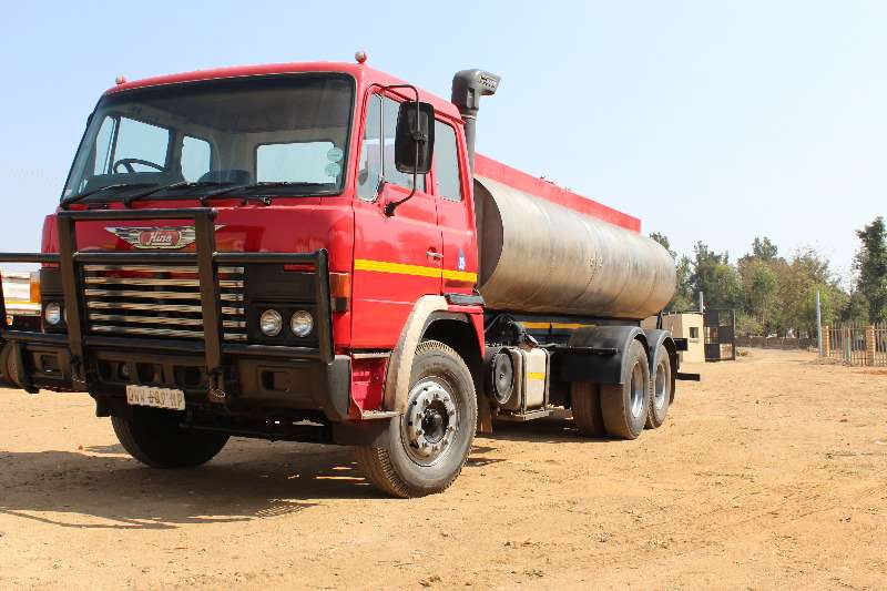 Truck Hino Water Tanker Hino Dolphin 16000 litre stainless steal water tan 0