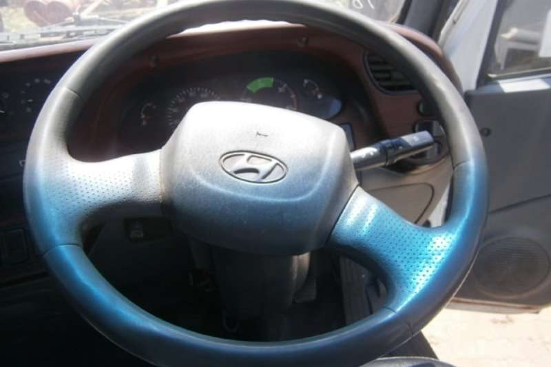 Hyundai Closed body HD72 Truck