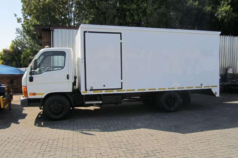 Truck Hyundai Van body HD72 4 Ton Van Body 2010