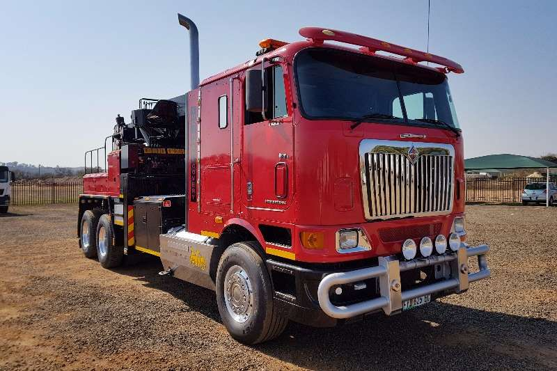 Truck International Other 9800i Towing & Recovery 2002