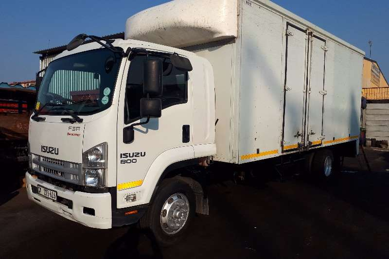 Truck Isuzu Closed Body FSR800 2013