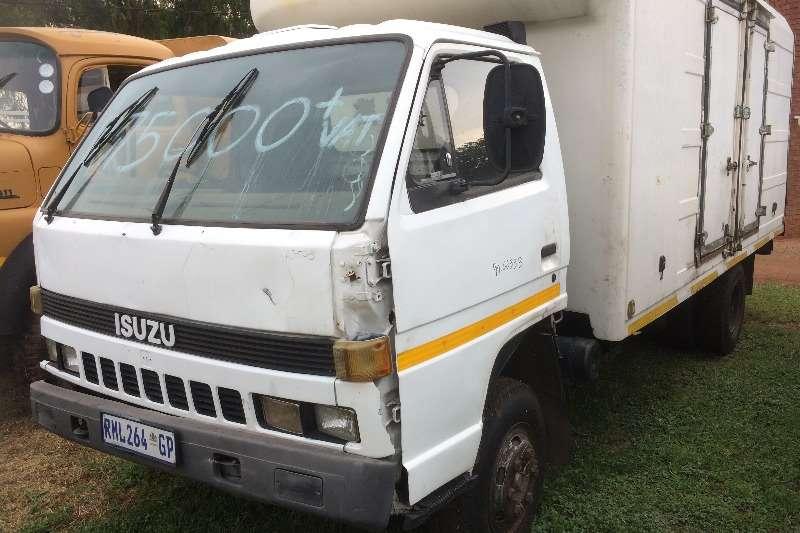 Isuzu Closed body N3500 Truck