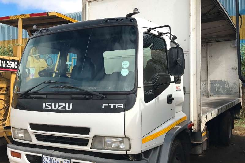 Truck Isuzu Curtain Side FTR800 TAUTLINER 2005