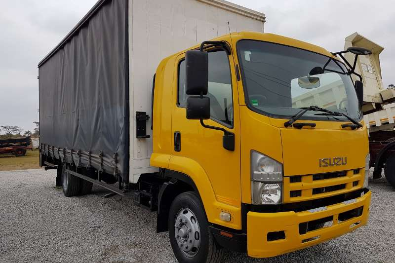 Truck Isuzu Curtain Side Isuzu FTR 800 2011