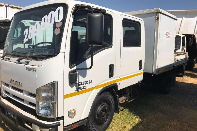 Isuzu Dropside ISUZU CREW CAB  6 PASSENGER 68000kms Truck