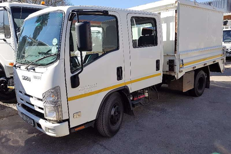 Truck Isuzu Dropside NMR250 DOUBLE CAB WITH A/C 2010