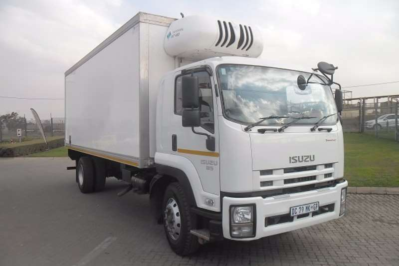 Truck Isuzu Fridge Truck FTR 850 AMT 2014