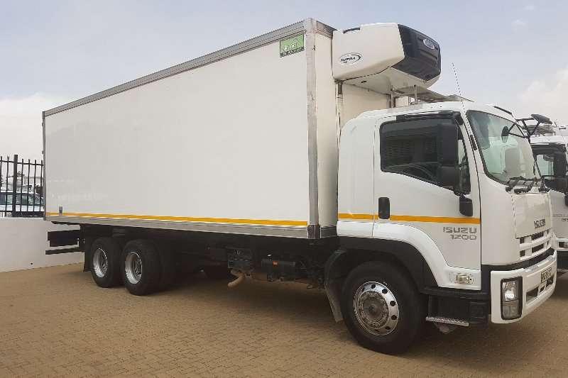 Truck Isuzu Insulated Fridge unit Isuzu 1200 6X2 2015