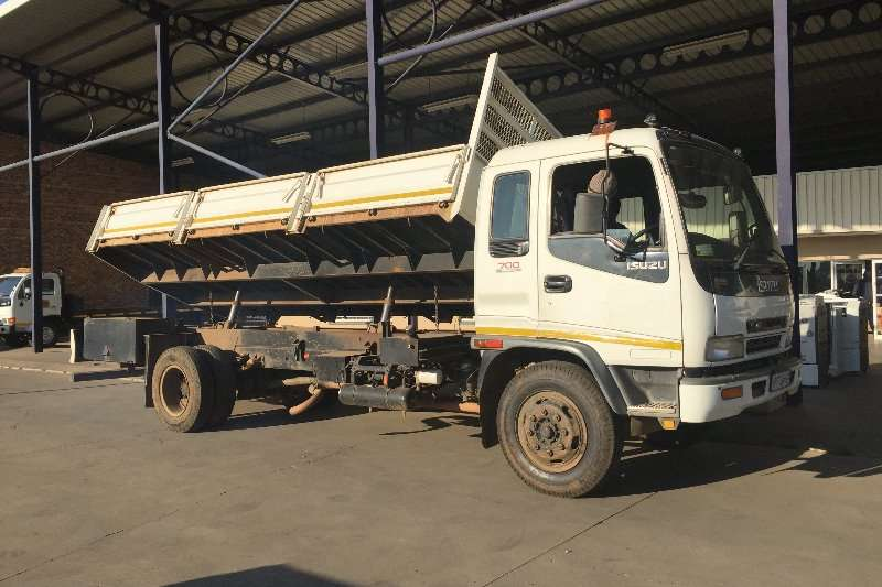 Truck Isuzu Tipper FSR 700 Side tipper 2007