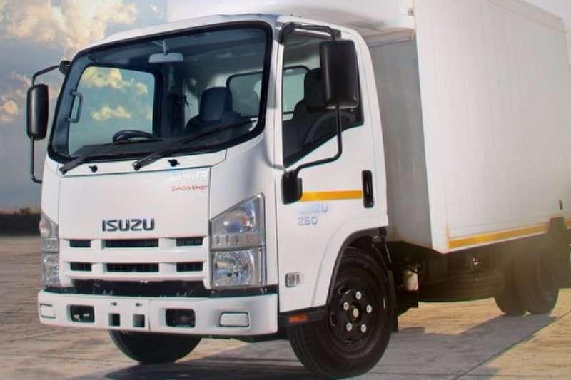 Truck Isuzu Van body NMR 250 AMT 2017