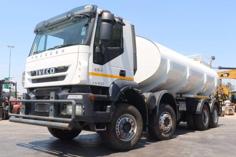 Truck Iveco Water Tanker Trakker 420 18 000 L Water Tanker 2013