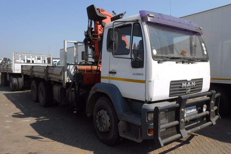 Truck MAN Crane Truck MAN LE280 DROPSIDE WITH PK15500 CRANE 2002