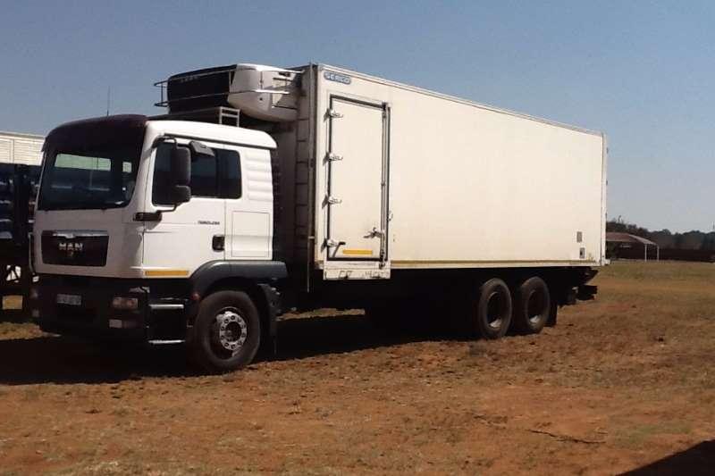 Truck MAN Fridge Truck 25-280 6x2 16ton 2011