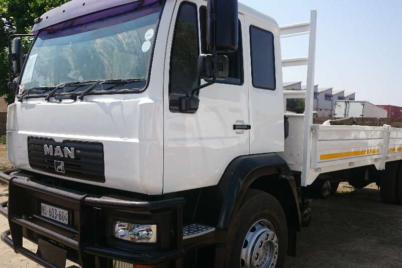 Truck MAN MAN LE18.220 With dropsides 2005