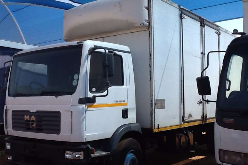 Truck MAN Van body 15-240 8 ton van body 2008