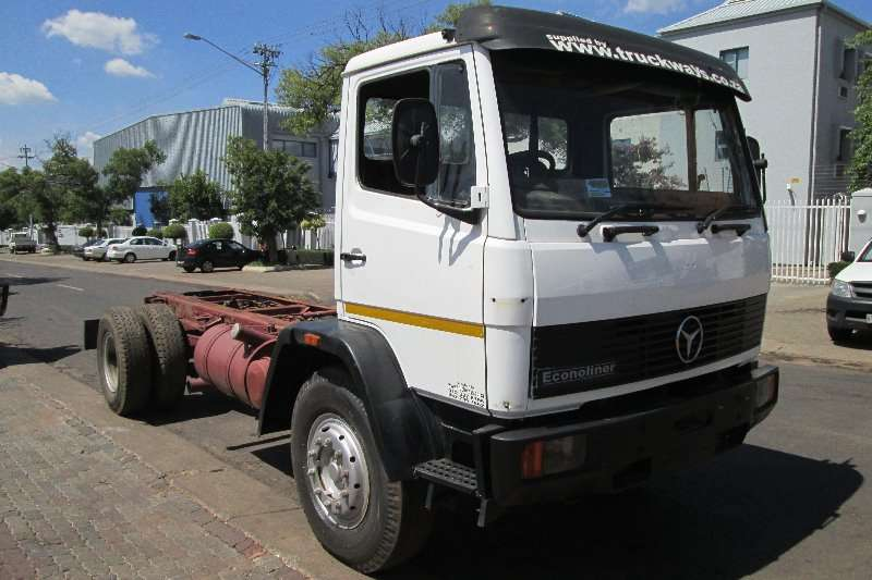 Truck Mercedes Benz Chassis Cab 1617 1993