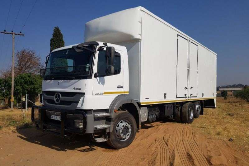 Truck Mercedes Benz Closed Body Axor 2528 2013