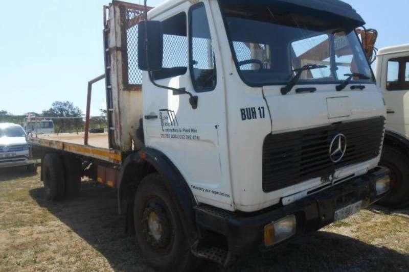 Truck Mercedes Benz Flat Deck 0