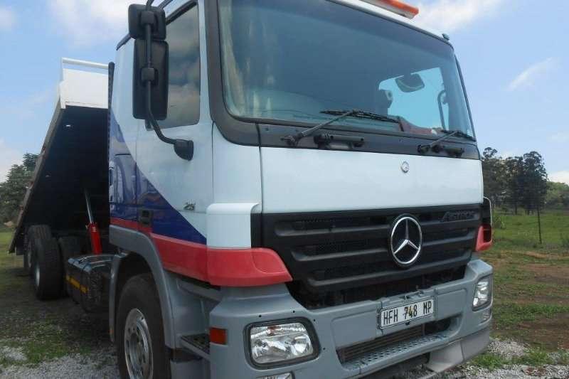 Truck Mercedes Benz Roll Back 0